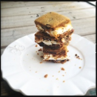 {Peanut Butter, Candied Bacon and Dark Chocolate Chunk Baked S'mores } {Happy National S'mores Day}